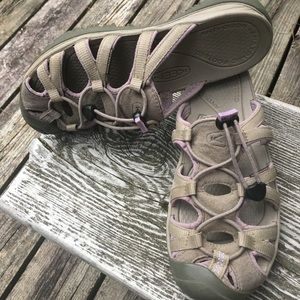 Keen Waterproof Slip-in Sandal VGUC sz 7.5